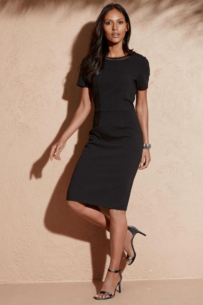 Elegantní krepové šaty dostupné na Next