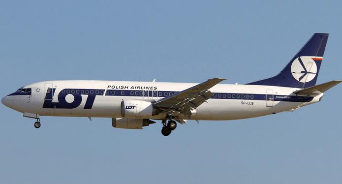 Flugzeug LOT