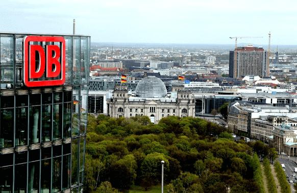 Deutsche Bahn, das große Gebäude der Firma