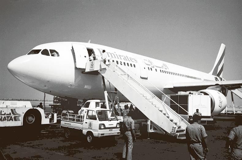 uno dei primi aerei emirates