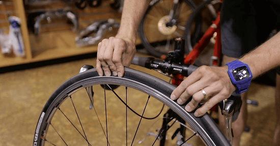riparazione bicicletta