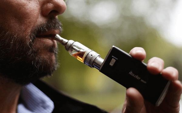 fumatore di e-cig
