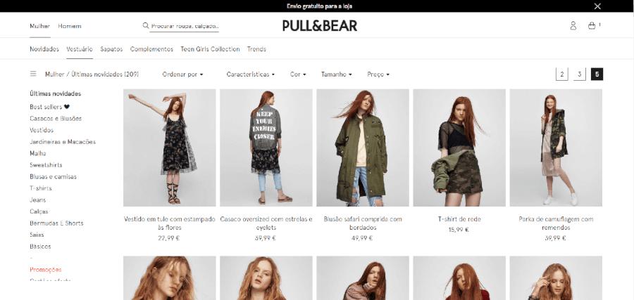 Vários produtos para mulher à venda na Pull & Bear