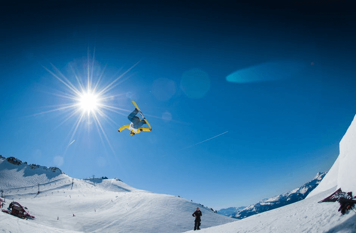 Burton Snowboards — магазин товаров для сноуборда