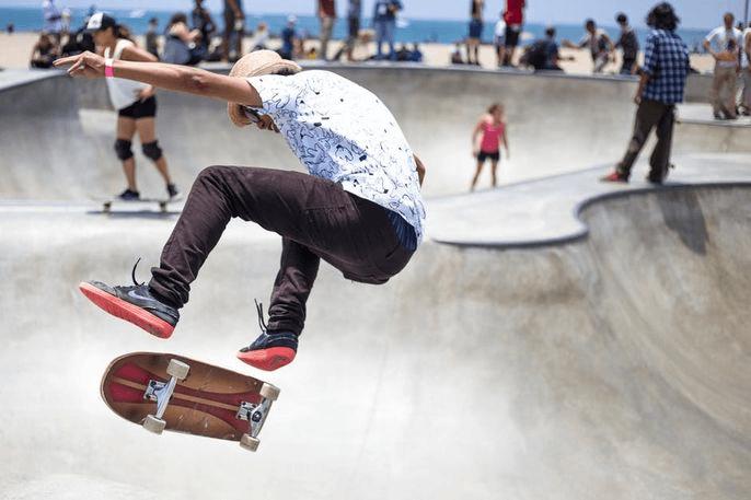 Магазин товаров для скейтборда и сноуборда