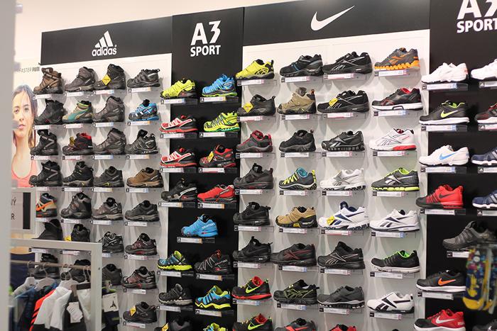 Široký sortiment športovej obuvi, z ktorej si vyberie každý