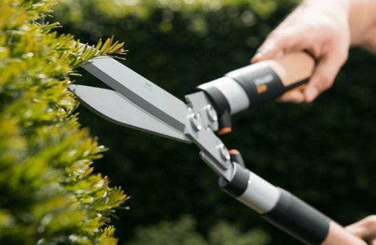 Záhradné nožnice tej najlepšej kvalite, aj to patrí medzi sortiment tovaru Okmarketu