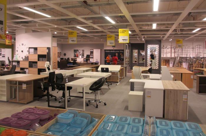 Interiér jednej z predajní Sconto na Slovensku