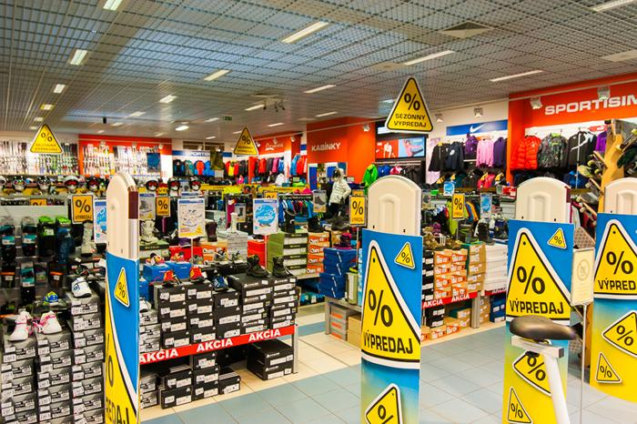 Tovar ponúkaný v predajniach je pestrý a široký, od noviniek až po klasiku - každý si nájde to, čo práve potrebuje